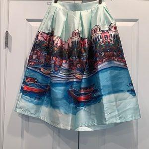 Beautiful Skirt!!! Size Medium Hidden Pockets